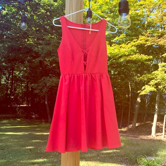 Lulu's Dresses & Skirts - Lulu's Coral Dress